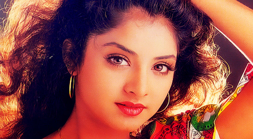 10 Bollywood Actresses Who Commited Suicide Or Died in Young 2